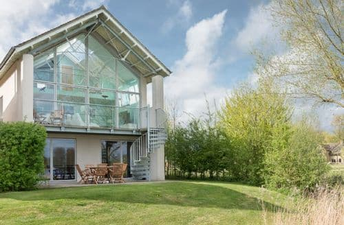Last Minute Cottages - 1 Somerford Lodge (CW103), Cotswolds, Gloucestershire