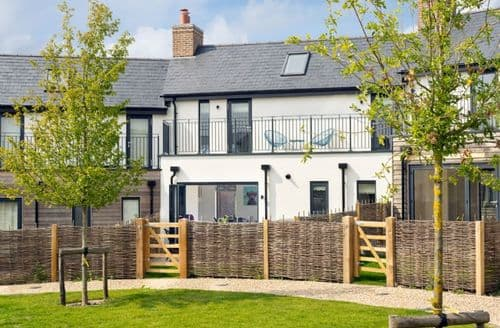 Last Minute Cottages - Beaumont Village 30 (BV30), Dorset,