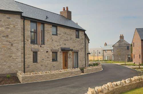 Last Minute Cottages - Beaumont Village 31 (BV31), Dorset, Crossways