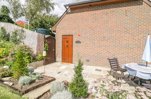 Last Minute Cottages - Little House at Wellow Manor