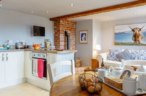 Last Minute Cottages - The Pottery - UK12546
