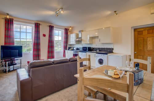 Last Minute Cottages - Carr View Hall Apartment 4