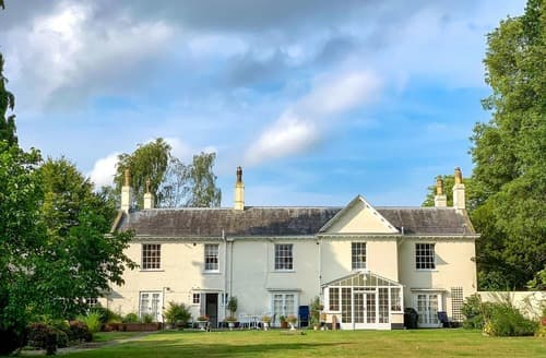 Last Minute Cottages - Braydeston House
