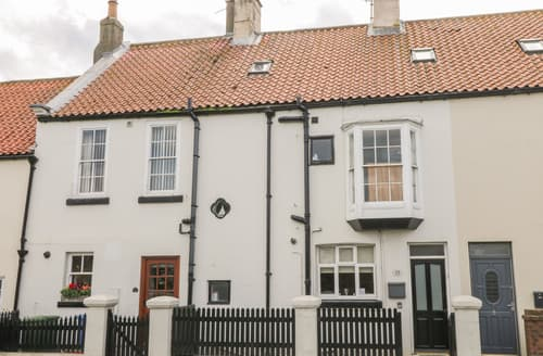 Last Minute Cottages - Whitby Gateway Cottage
