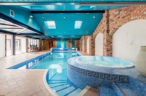 Last Minute Cottages - Pool House