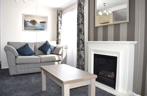 Last Minute Cottages - Lily Lodge Spa