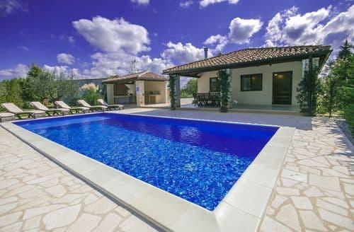 Last Minute Cottages - Villa Mainenti