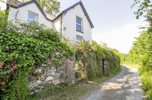 Last Minute Cottages - Bryn Tirion