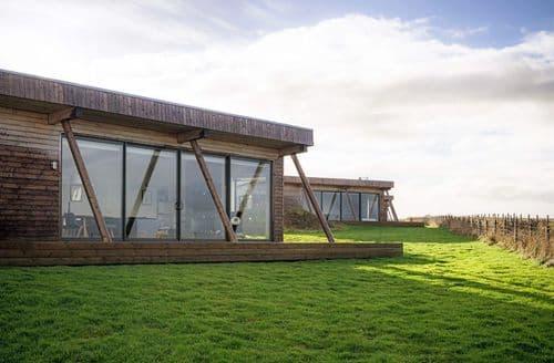 Dog Friendly Cottages - Special Offer 3 bed Lodge - JOG, Wick