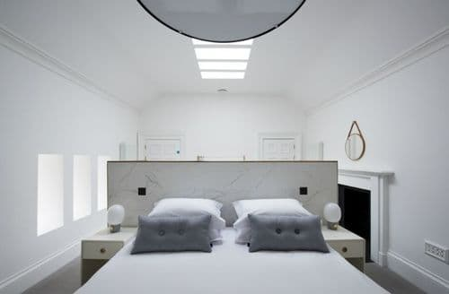 Last Minute Cottages - Lews Castle 1 Bed Room - Standard, Stornoway