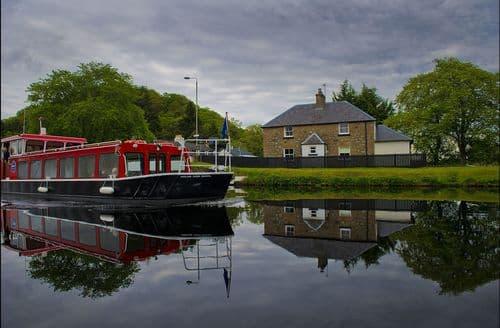 Last Minute Cottages - Tomnahurich Bridge House, Inverness
