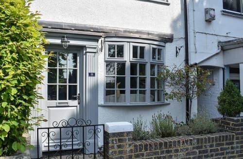 Last Minute Cottages - Hurst Cottage