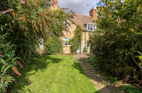 Last Minute Cottages - Manor View