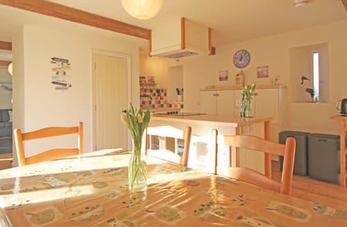 Last Minute Cottages - Courtyard Cottage No 3