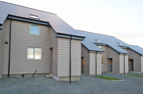 Last Minute Cottages - Daisy, Lodge 6