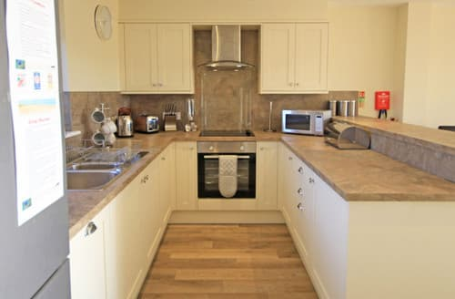 Last Minute Cottages - Harebell, Lodge 2