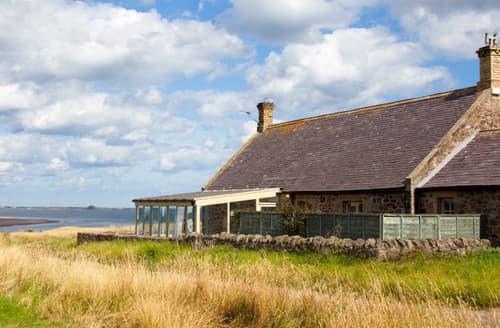 Last Minute Cottages - Budle Newton