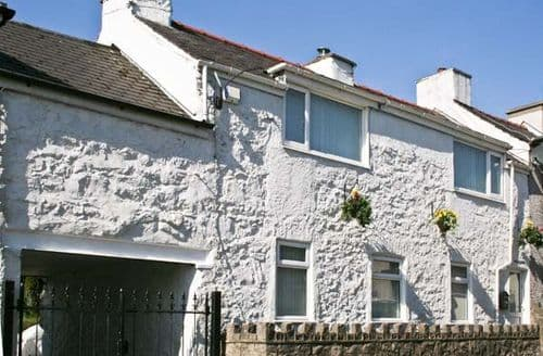 Big Cottages - Stunning Llanfairpwllgwyngyll Cottage S5393