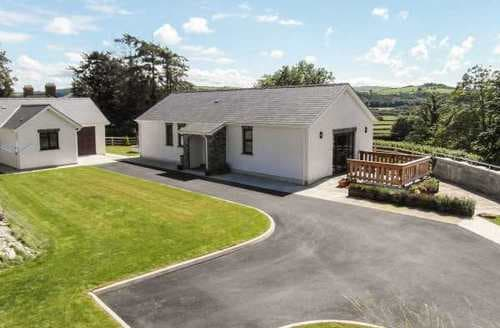 Last Minute Cottages - Cwm Derw