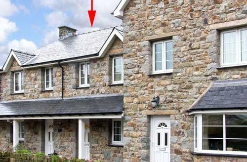 Last Minute Cottages - Excellent Llanbedr Gloch S5528