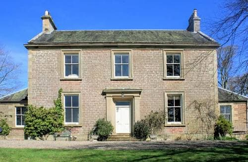 Last Minute Cottages - Charming Biggar House S5529