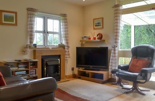 Last Minute Cottages - River Cottage - UK12759