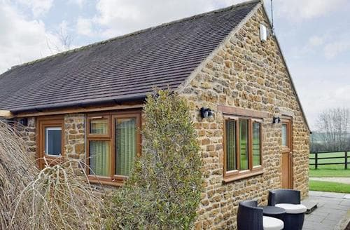 Last Minute Cottages - Inviting Warwick Cottage S49722