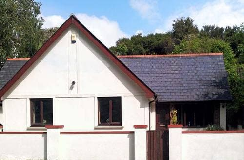 Big Cottages - Quaint Milford Haven Bungalow S5570