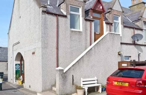 Last Minute Cottages - Adorable Buckie Apartment S5581