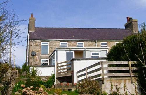 Last Minute Cottages - Beautiful Brynteg Haul S5593