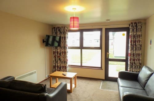Last Minute Cottages - PV 2 Bed Silver House Pet