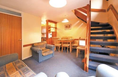 Last Minute Cottages - TM 3 Bed Bronze Compact House