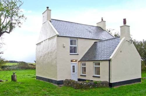 Last Minute Cottages - Quaint Llanfairpwllgwyngyll Rental S5646
