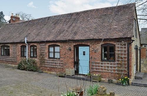 Last Minute Cottages - Luxury Evesham Cottage S50295
