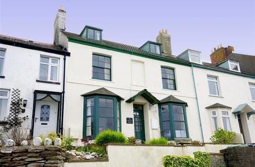 Last Minute Cottages - Captains House