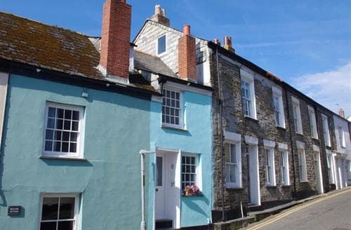 Last Minute Cottages - Inviting Padstow Cottage S42831