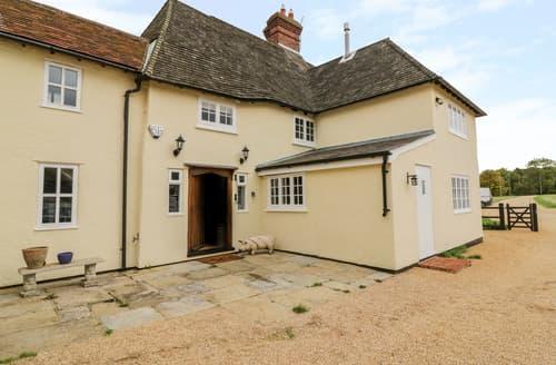 Last Minute Cottages - Farm House