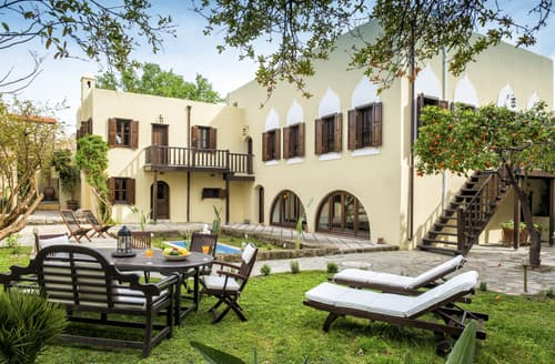 Last Minute Cottages - Palace Manor