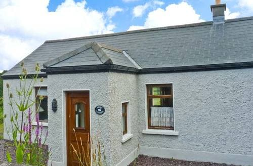 Last Minute Cottages - Captivating  Cottage S5813