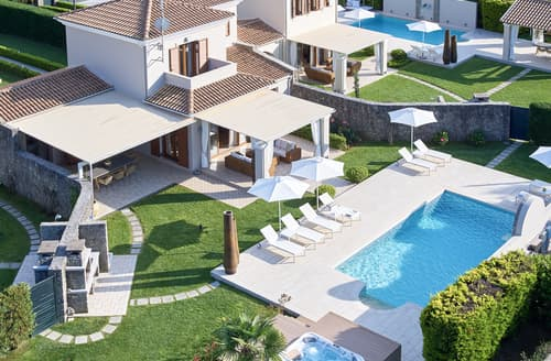 Last Minute Cottages - Villa Corintha