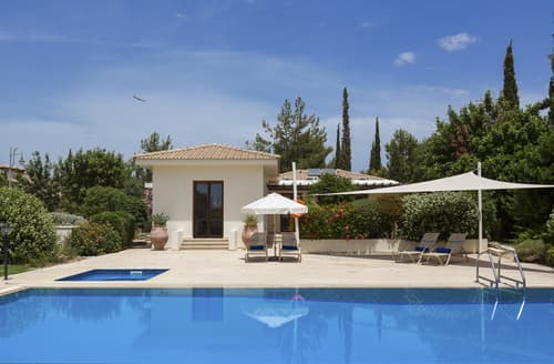 Last Minute Cottages - Villa Shura