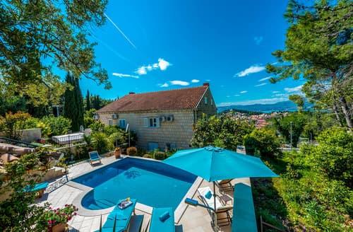 Last Minute Cottages - Villa Beau