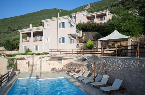 Last Minute Cottages - Villa Fankri