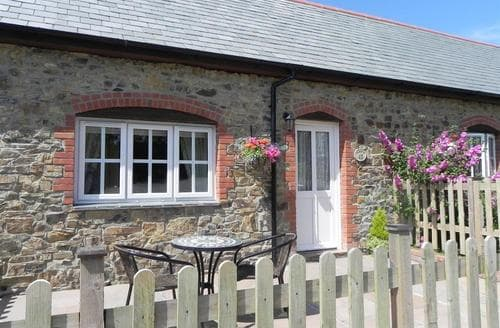 Last Minute Cottages - Laity Cottage