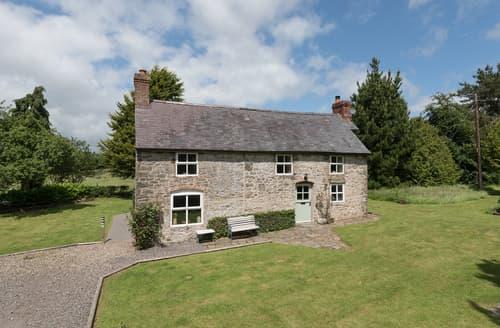Last Minute Cottages - Hillgate House