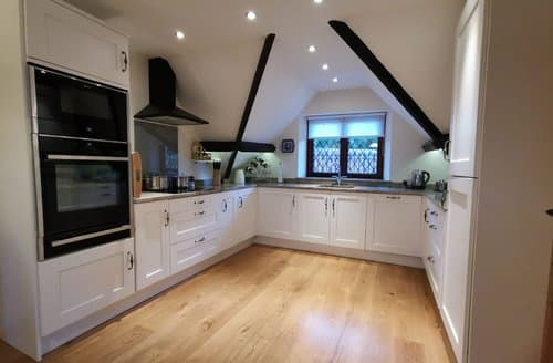Last Minute Cottages - Two Grooms Cottage, Dunster