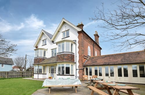 Last Minute Cottages - Aldeburgh Manor