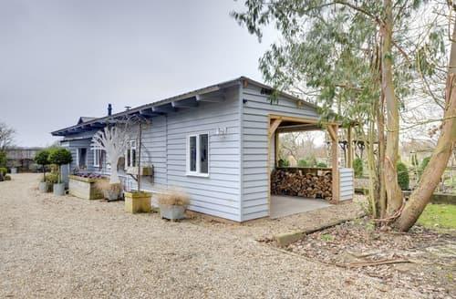 Last Minute Cottages - Little Nut Cottage