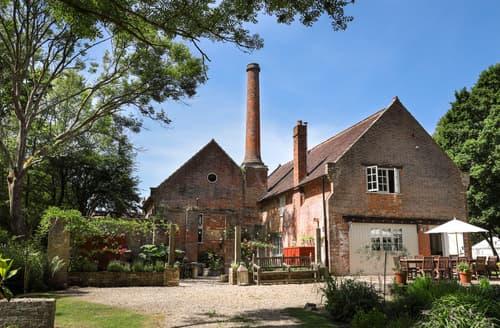 Last Minute Cottages - The Brick House & Annex