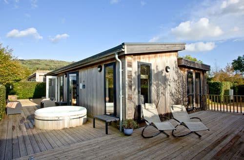 Last Minute Cottages - Diamond Lodge, Strawberryfield Park, Cheddar